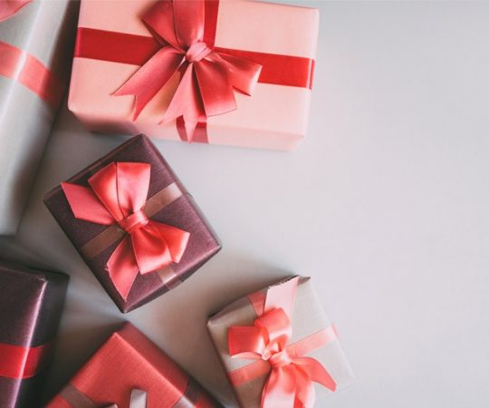 Win the Heart of Your Special Someone with Personalised Gifts